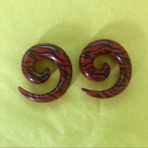 Jewelry - 0 gauge 8mm Red Black Spirals for Stretched Ears